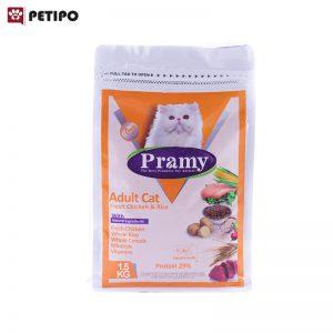 غذای خشک گربه بزرگسال طعم مرغ پرامی وزن ۱.۵ کیلوگرم